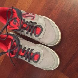 Chaussures de badminton femme t.39