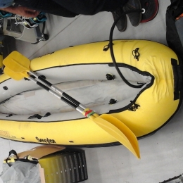 kayak gonflabe + pagaies + 2x gilets