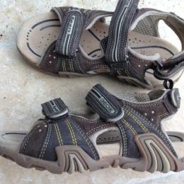 Sandales cuir Tout neuf
