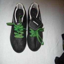 CHAUSSURES RUGBY kipsta vert/noir