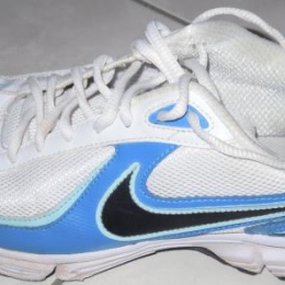 Chaussures NIKE Taille 41