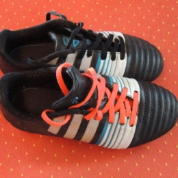 chaussures foot/rugby  adidas p:33