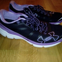Paire neuve Under Armour Charged Bandit W / Taille : 40