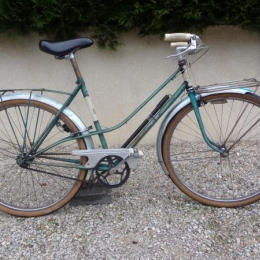 Vélo de Ville de femme PRESTER Vintage année 1950