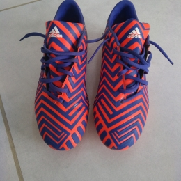 Chaussures ADIDAS, crampons moulés