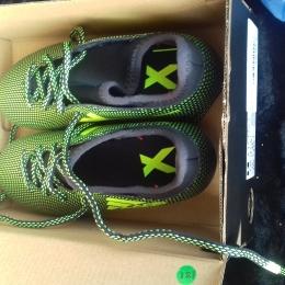 Chaussures crampons taille 31
