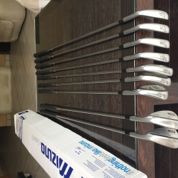 CLUBS MIZUNO JPX 800 FORGEd