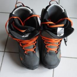 chaussures de snowboard a lacets